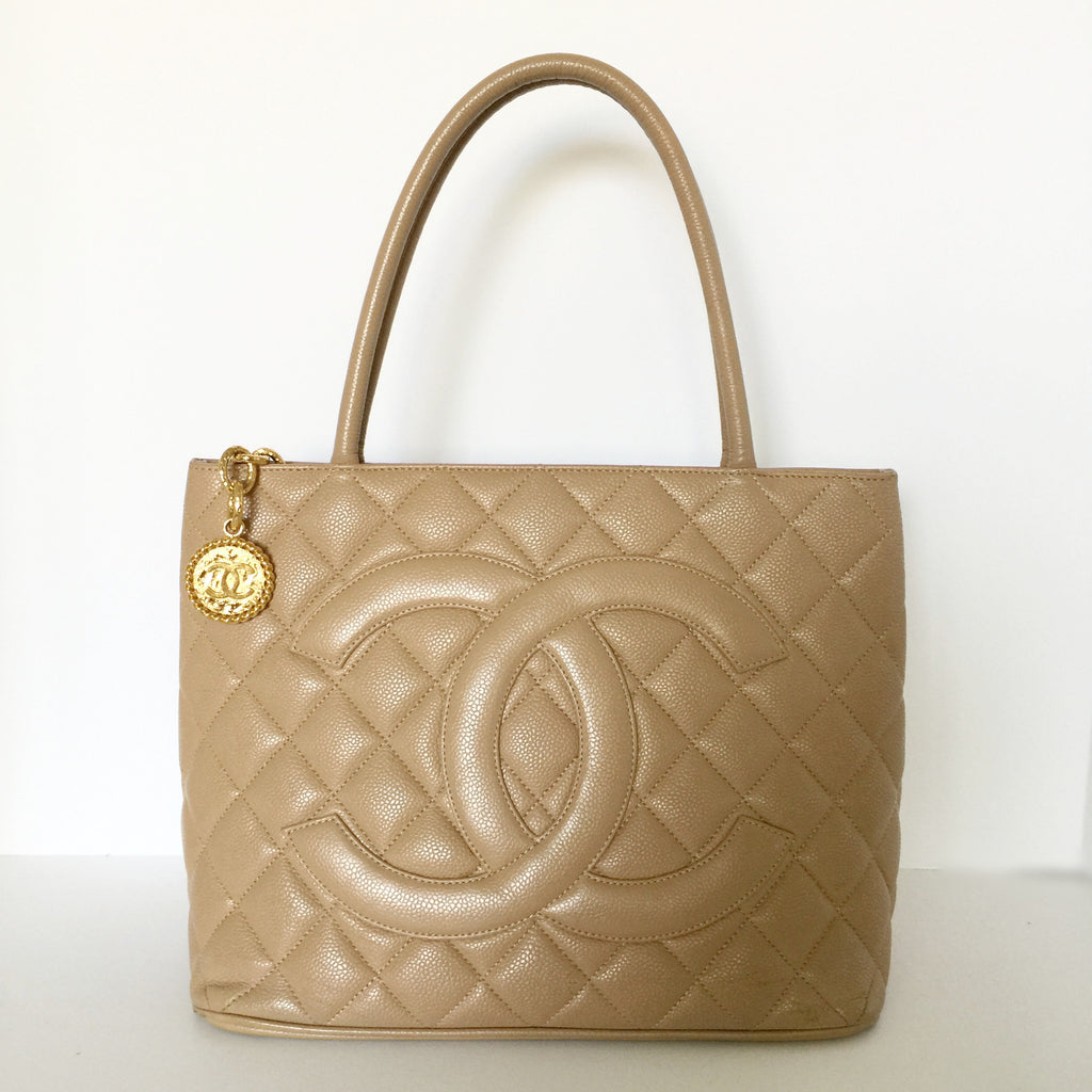 6df84df292b5 Authentic CHANEL Medallion Beige Tote
