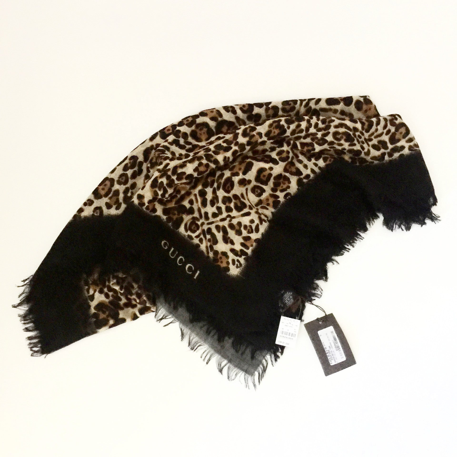 Authentic GUCCI Leopard Print Stole/Wrap/Scarf