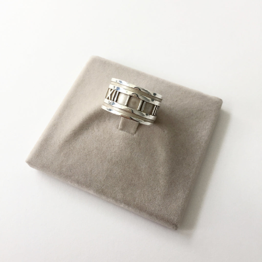Authentic TIFFANY & CO Wide Atlas Ring