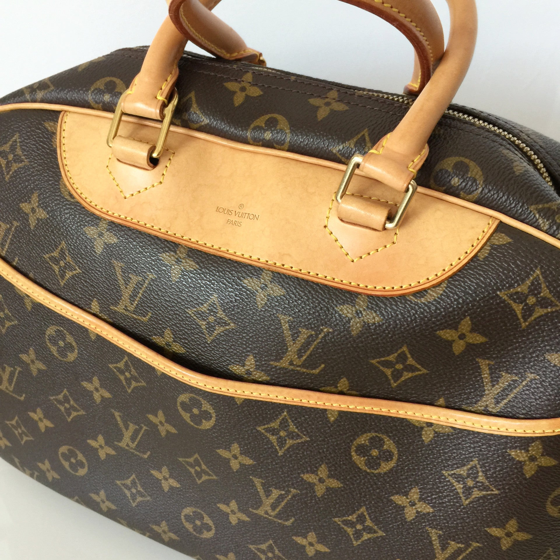 Authentic LOUIS VUITTON Deauville Monogram Bag