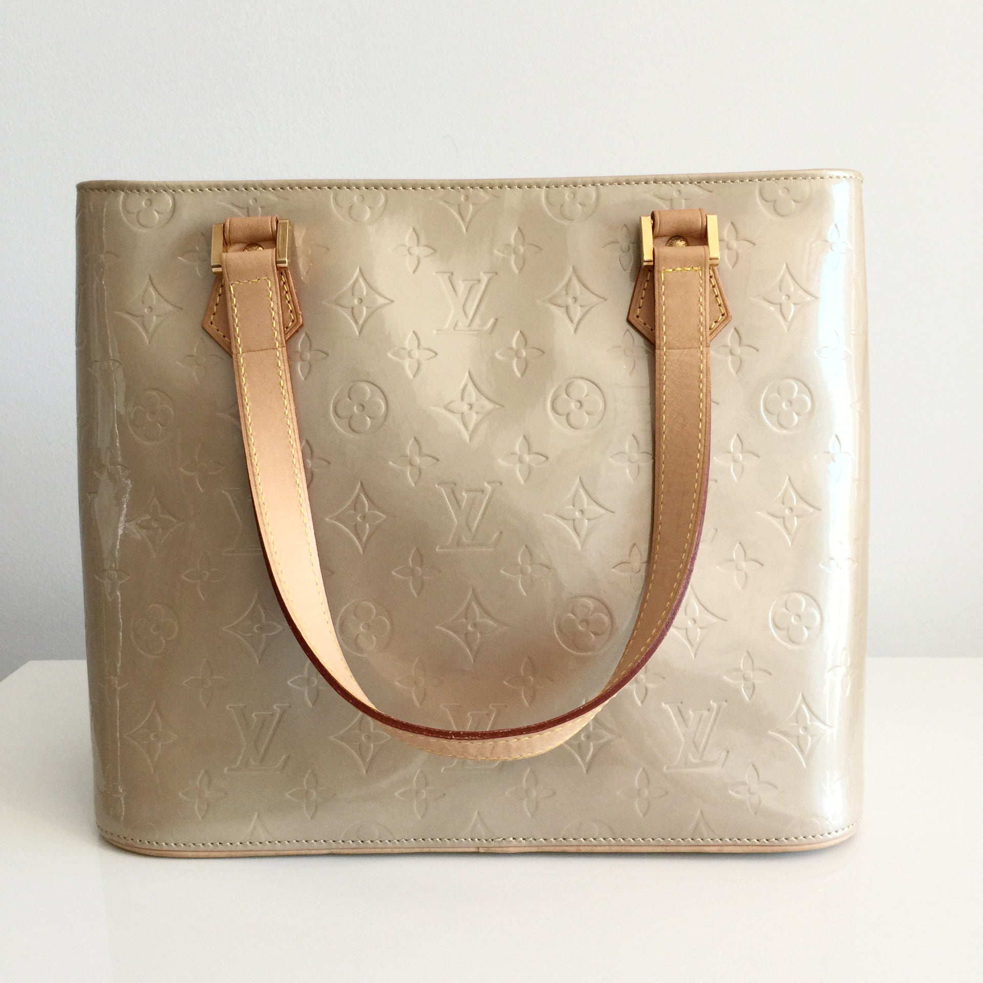 Authentic LOUIS VUITTON Vernis Houston