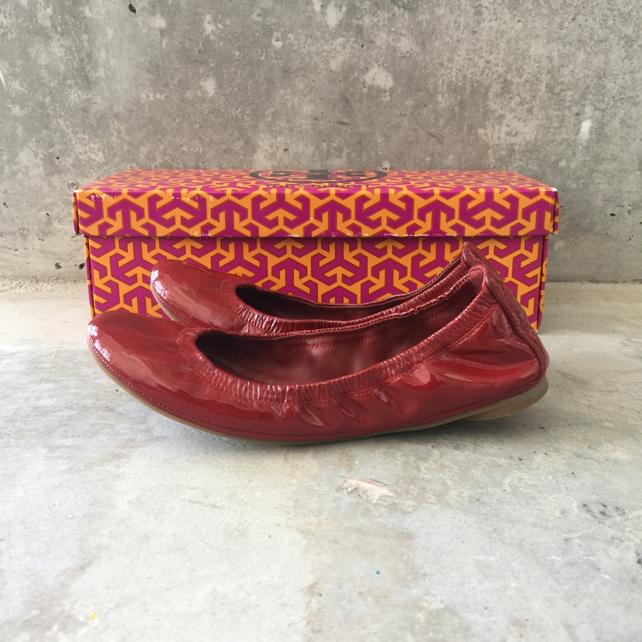 Authentic TORY BURCH Patent Ballet Size 5
