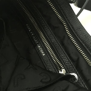 Authentic MARC BY MARC JACOBS Too Hot To Handle Sia Cross Body