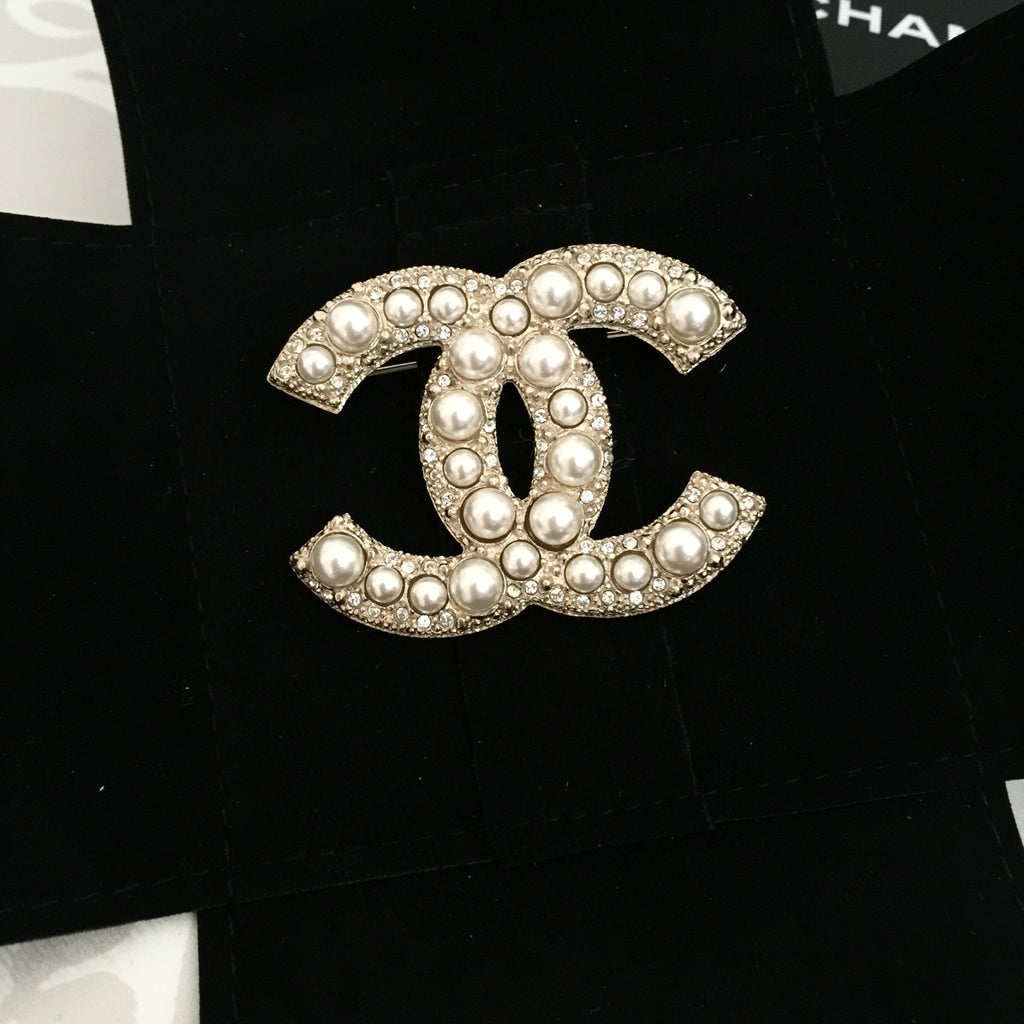 charm brooch at vintage to off up s tradesy gold pins and brooches logo chanel crystal cc channel
