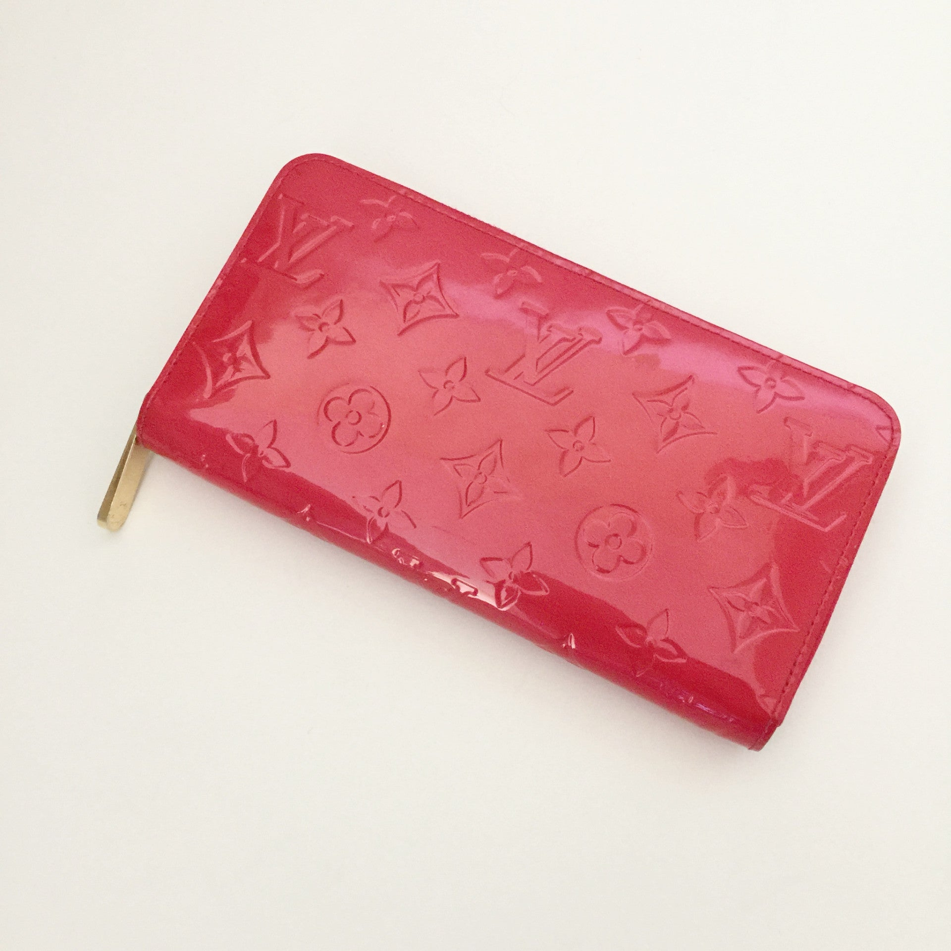 Authentic LOUIS VUITTON Vernis Wallet in Rouge Grenadine