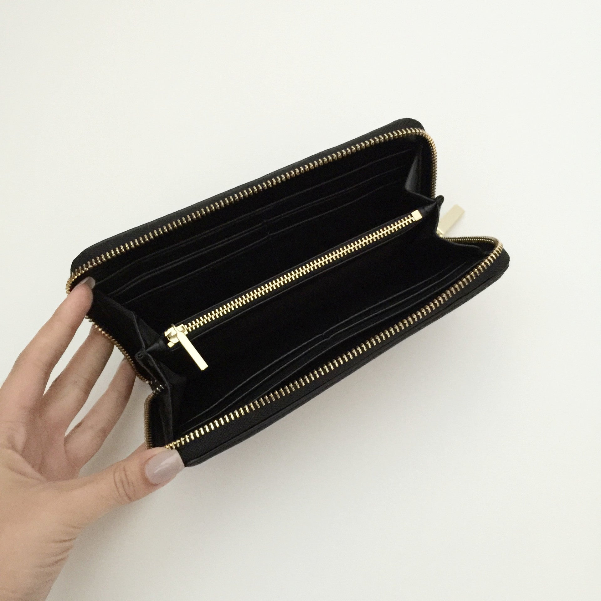 Authentic TORY BURCH Black Leather Wallet