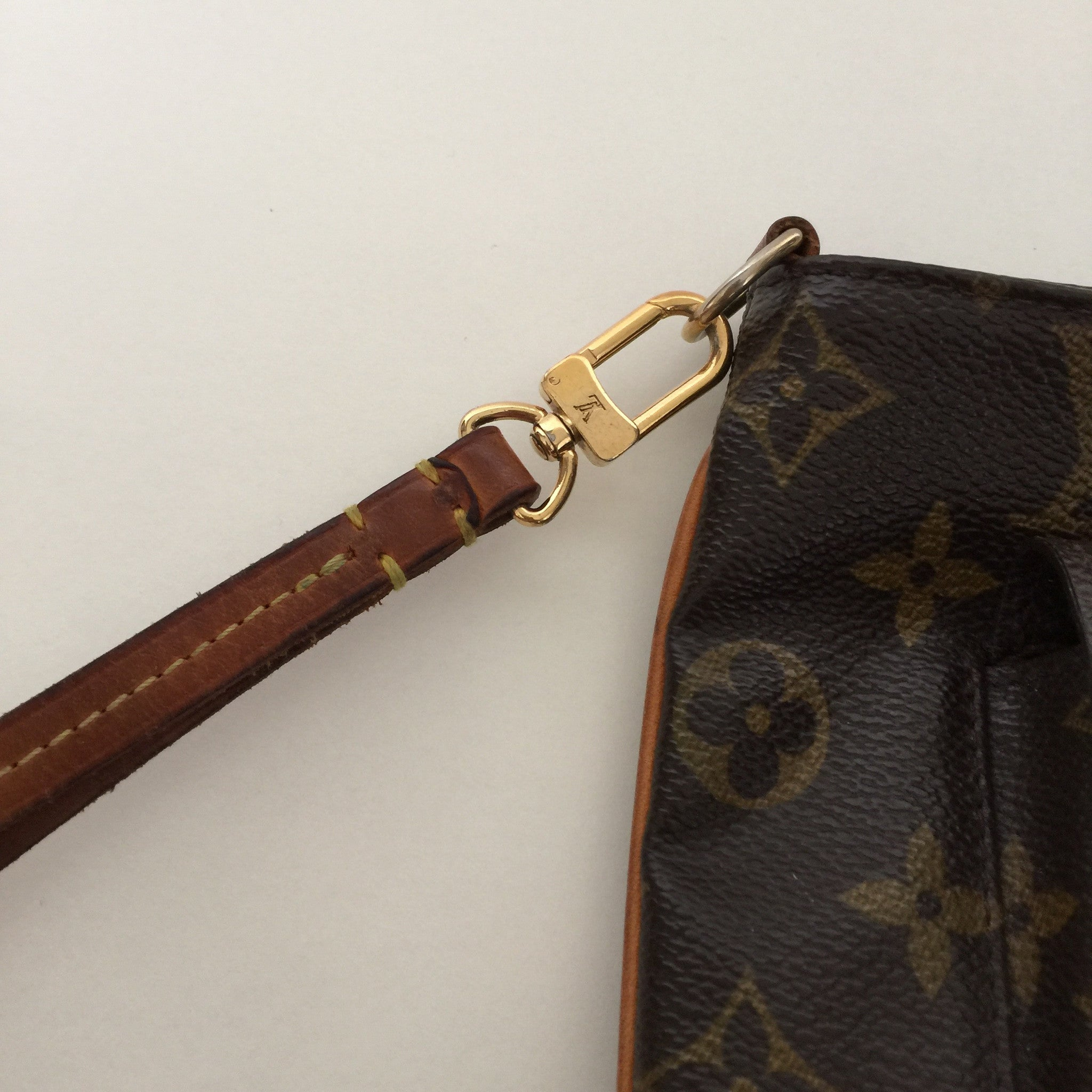 Authentic Louis Vuitton Partition Wristlet