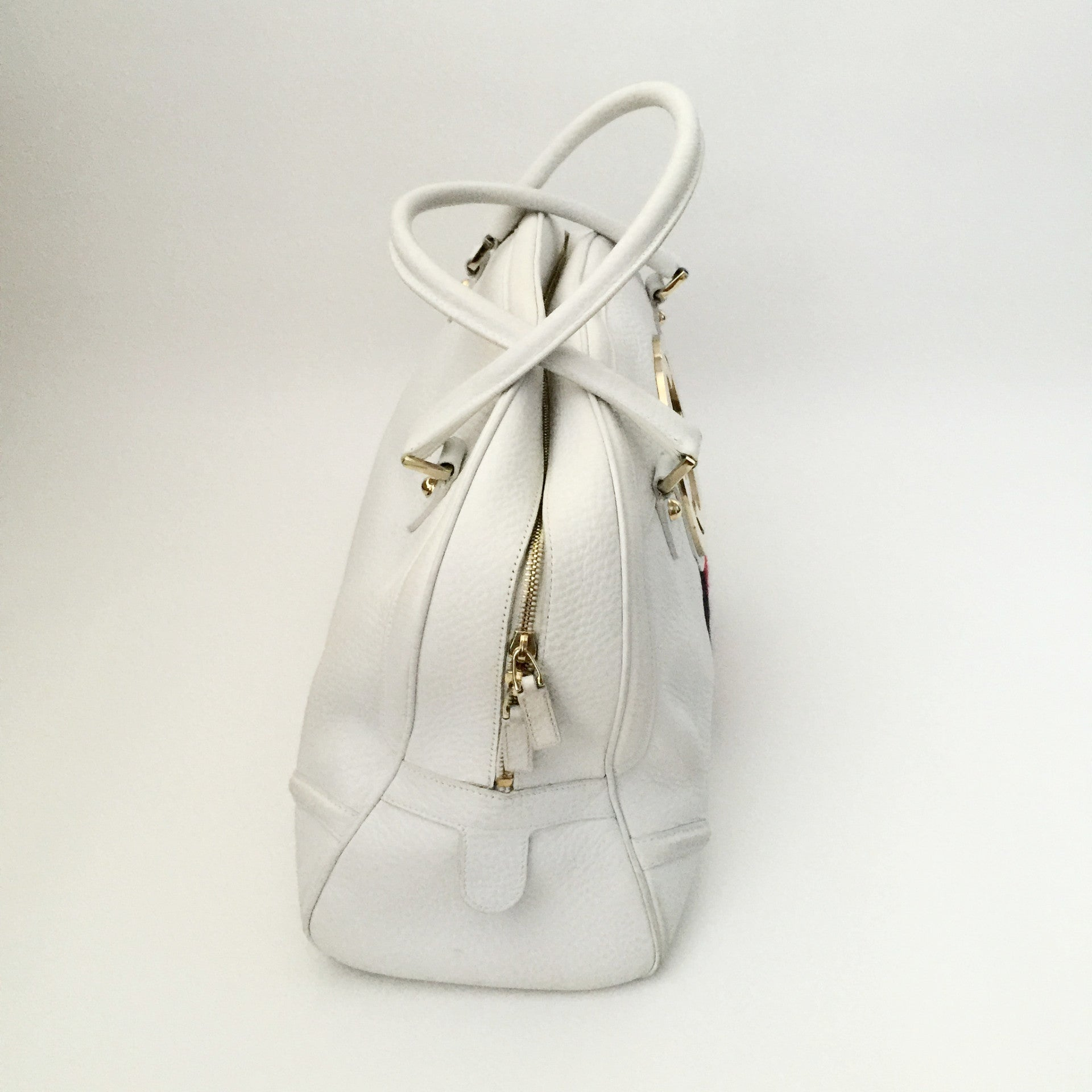 Authentic GUCCI Large White Blondie Bowler Bag