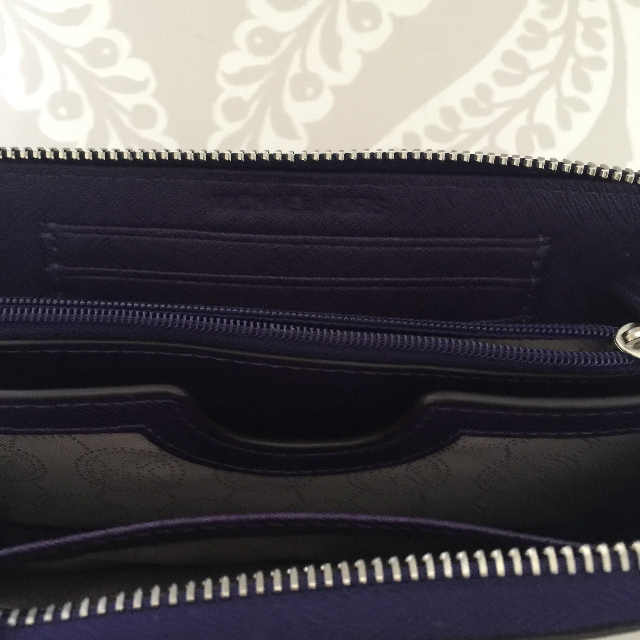 "Authentic MICHAEL KORS Purple ""Jet Set"" Wristlet"