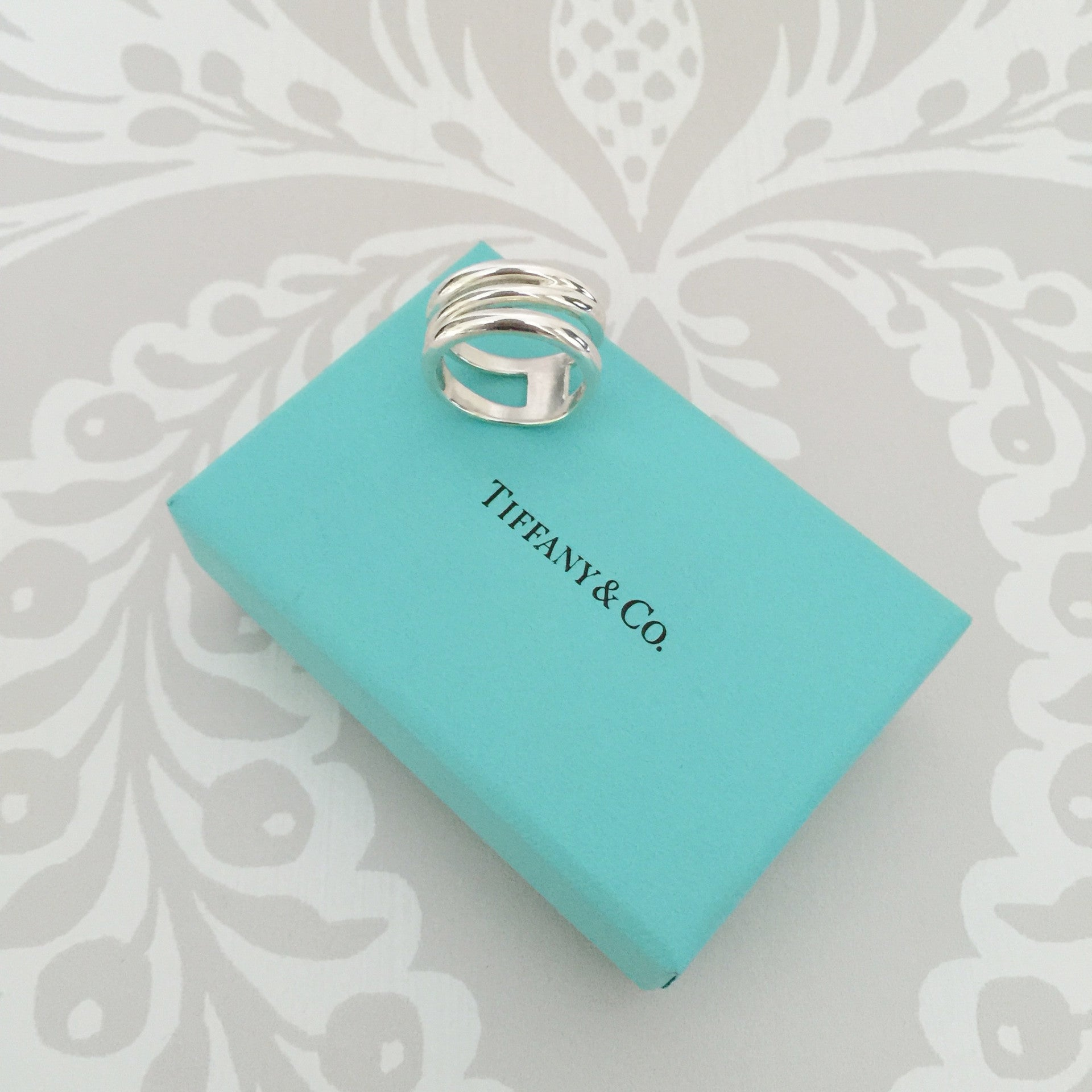Authentic TIFFANY & CO Ring Size 8