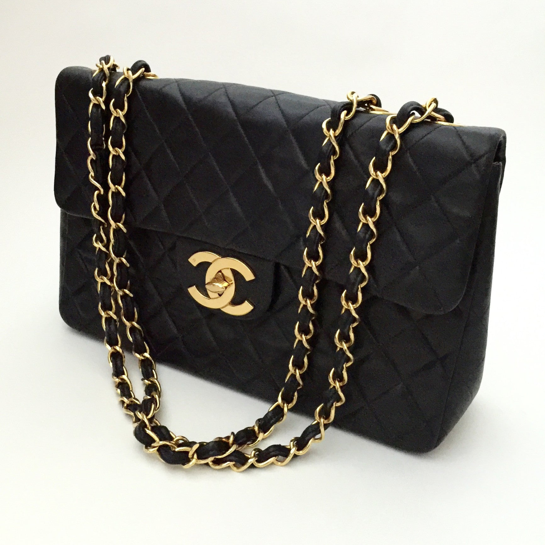 Authentic CHANEL Jumbo Vintage Bag