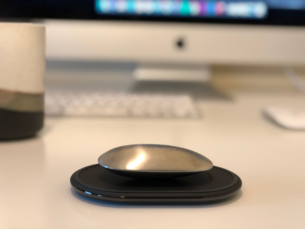 iceScreen Pebble -- The Wirelessly Charged Hand Warmer
