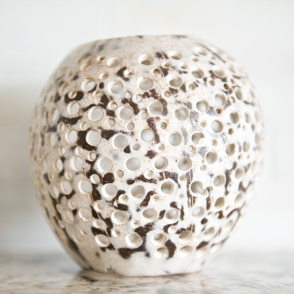 COCONUT SHELL CANDLE HOLDER DOT