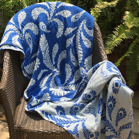 Blue 'Peacock' Cotton Muslin Throw Blanket in Jacquard Weave 1