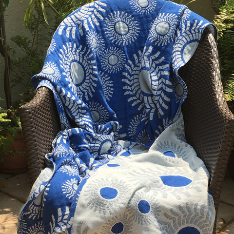 Blue 'Sunburst' Cotton Muslin Throw Blanket in Jacquard Weave