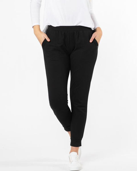 Betty Basics Essentials Lindsay Jogger - Black