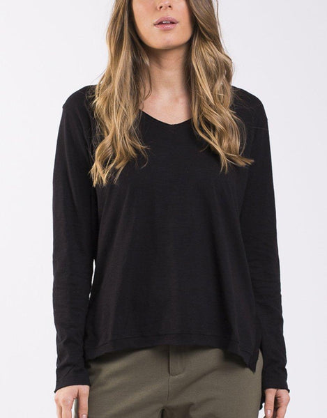 Foxwood Highline V Neck Top - Black