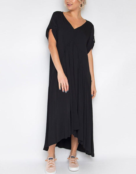 Peak Maxi Dress - Black