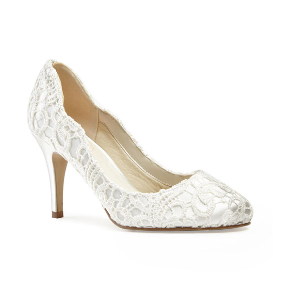 Romantic lace scalloped shoe