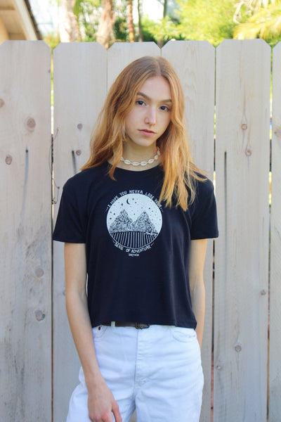 I Hope You Never Lose Your Sense Of Adventure Vintage Jersey Cropped T-Shirt in black