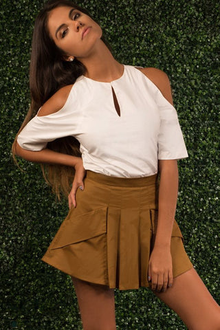 Ava Ruffled Off Shoulder Top ~ White