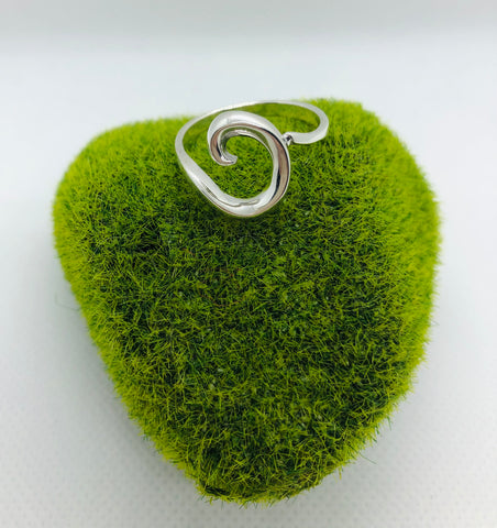 Artistic Wave Ring