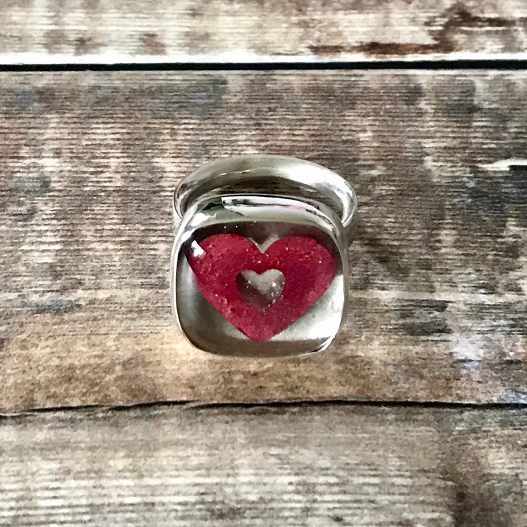 Queen of Hearts Glass Silver Ring
