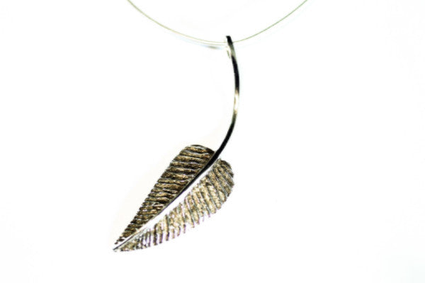 Dangling Leaf Necklace Silver
