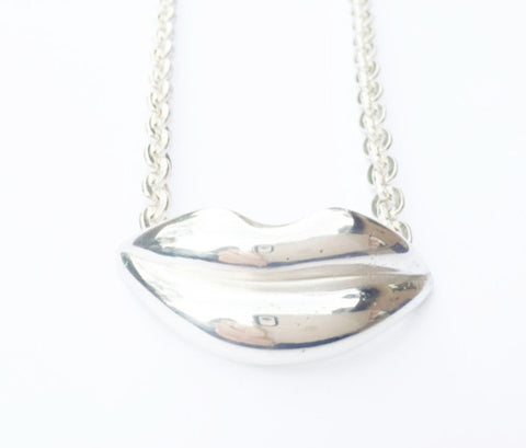 Lovely Lips Silver Necklace