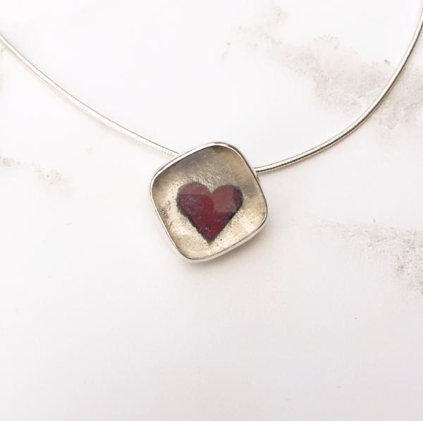 Queen of Hearts Glass and Silver Necklace