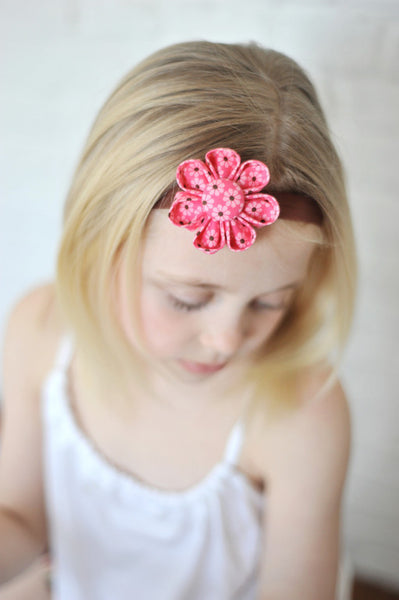 Daisy Bloom Pink Kanzashi Fabric Flower-Available in 4 Styles - Hold It!