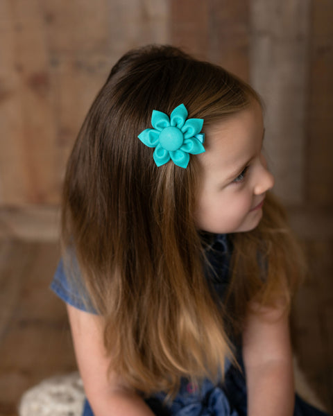 Pool Kanzashi Fabric Flower Hair Clip - Hold It!