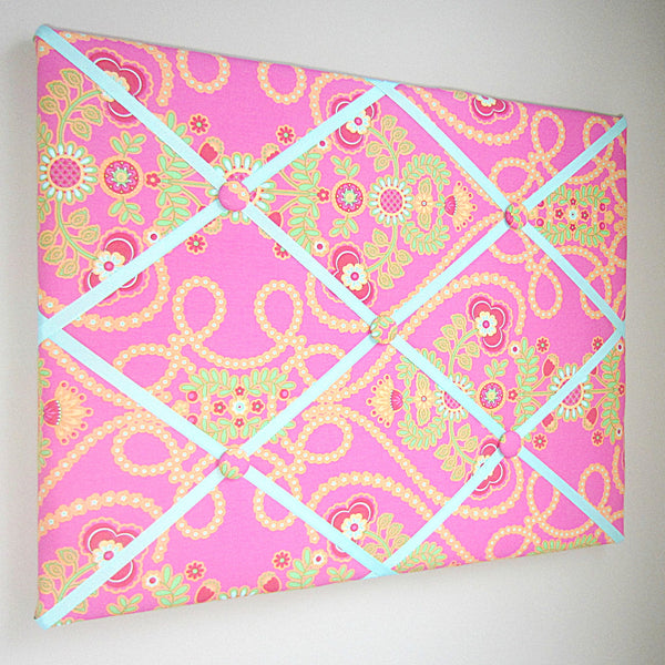 "11""x14"" or 16""x20"" Memory Board or Bow Holder-Lime Green & Hot Pink Hearts"