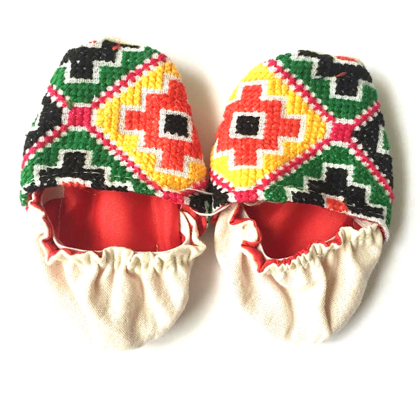 HANDMADE EMBROIDERED BABY SHOES 0-6 MONTHS