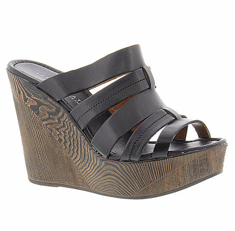 Jensen Wedge in Black - Shopatflirt