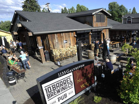10 Barrel Brewing Co in Bend Oregon has a dog friendly patio and is recommended by Bend Pet Resort