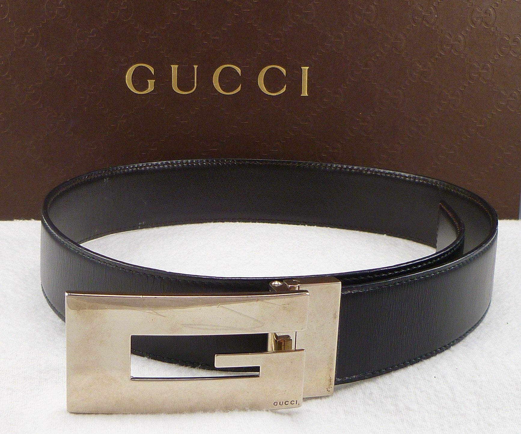 Gucci sz 26/65 Rectangle G Buckle Leather Belt Womens Black