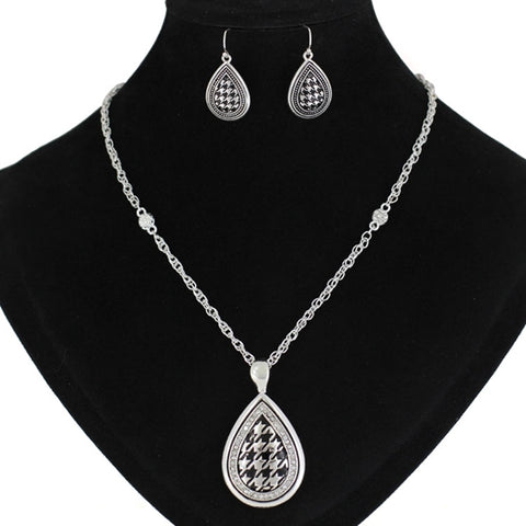 Houndstooth Necklace Set