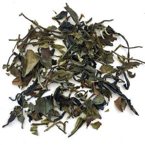 BLEND OF ORGANIC WHITE AND GREEN LONG LEAF TEAS.