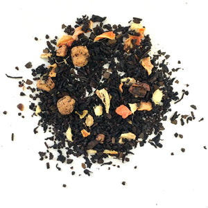 Black tea with apple, ginger, carrots, roasted mate, cloves, caramel and flavor