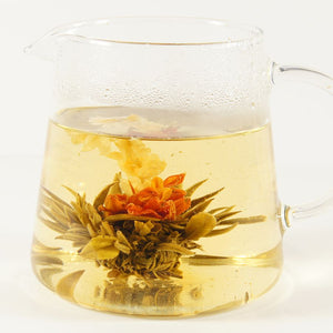 Green flowering tea with lychee flavor with jasmine and lotus flower