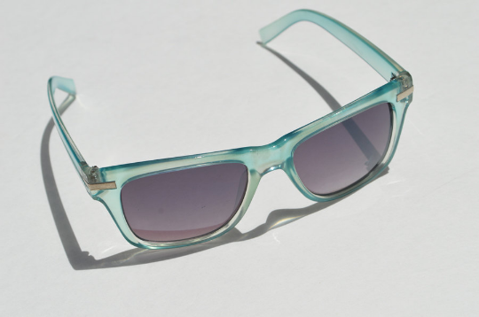 Round Sunglasses Summer Aqua Blue with Dark Lense side 2