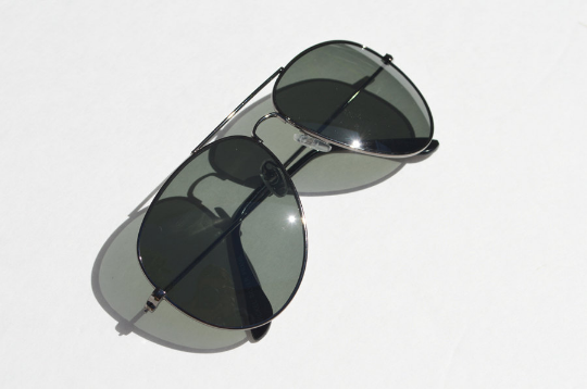 Aviator sunglasses Gunmetal accents diagonal  view