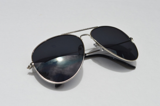 Aviator sunglasses in Silver diagonal  view