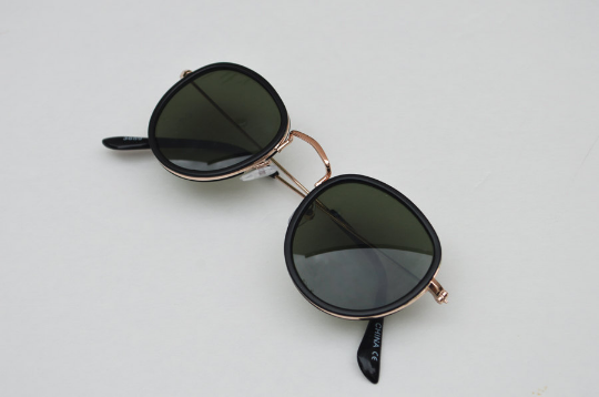Aviator sunglasses in Black Matte round diagonal  view side