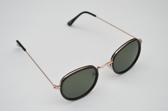 Aviator sunglasses in Black Matte round crooked  view