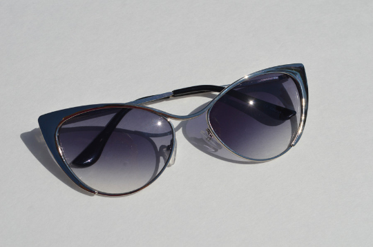 Cat eyes Sunglasses Silver Metallic  front view