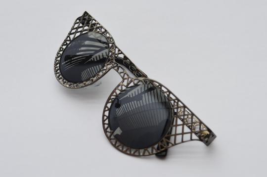 Cat Eyes sunglasses gun metal diagonal view