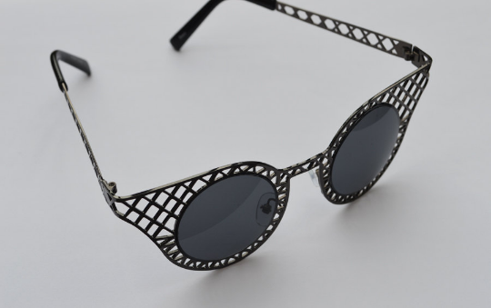 Cat Eyes sunglasses gun metal side view