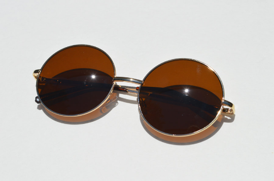 Round Janis Joplin 1970s Sunglasses shadow view